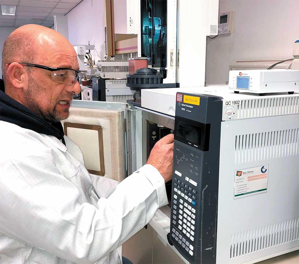 QC-lab van Eastman Chemical haalt met waterstof als draaggas meer analyses uit het GC-park